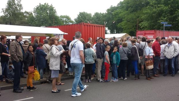 Ugchelen rommelmarkt menigte