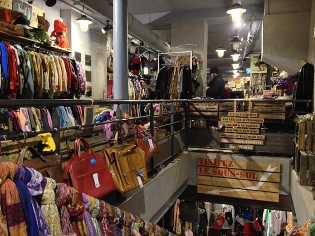 Kilo Shop Parijs interieur tweedehands winkel