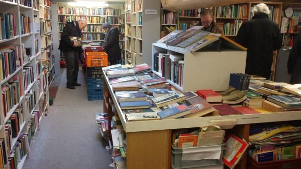 Emmaus Bilthoven vintage boekenafdeling