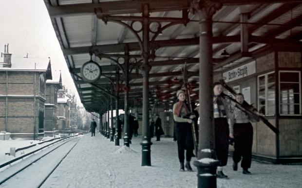 Berlin in frühen farbdias fotografie sneeuw