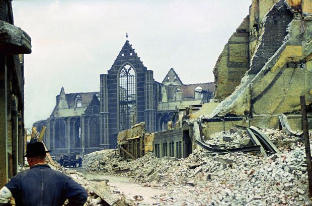 De oorlog in kleur Rotterdam Alphons Hustinx WBOOKS 3
