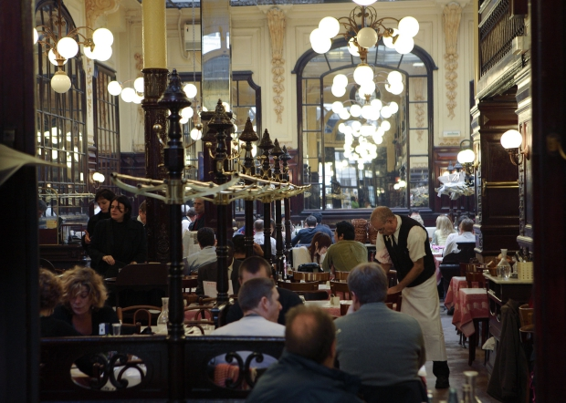 Bouillon Chartier restaurant Parijs obers