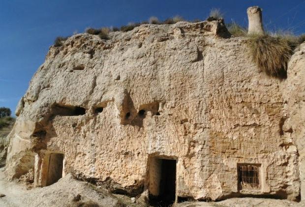 Spaans dorp te koop grotwoningen