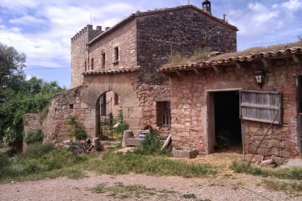 Spaans dorpje te koop in Barcelona