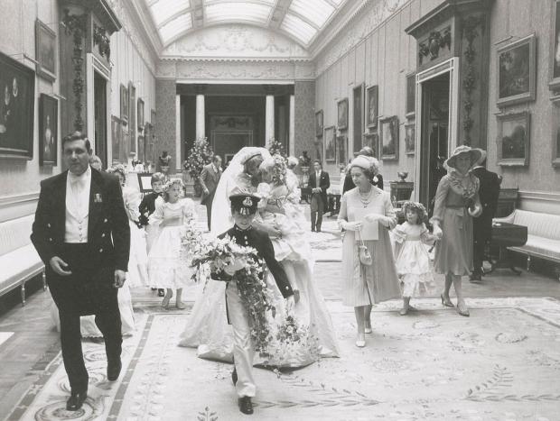 Charles Diana huwelijk bruidsmeisje bloemen