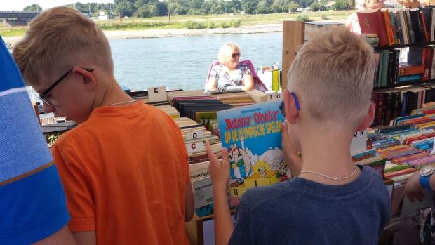 Deventer Boekenmarkt jongetjes