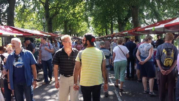 Deventer Boekenmarkt knokken