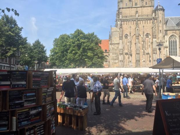 Deventer Boekenmarkt plein boekenstand