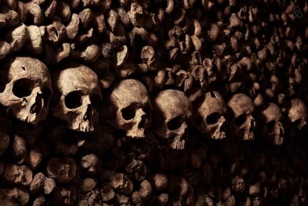 Halloween Catacomben van Parijs doodshoofden