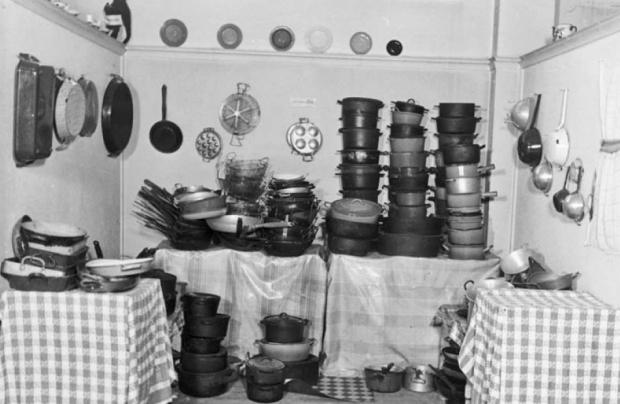 Levitan warenhuis Parijs keukengerei nazi's