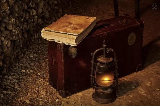Parijs Catacomben koffer Halloween overnachting