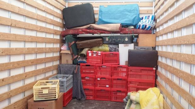 Huisontruiming Rotterdam vrachtwagen inboedel sneluwwoningontruimen.nl