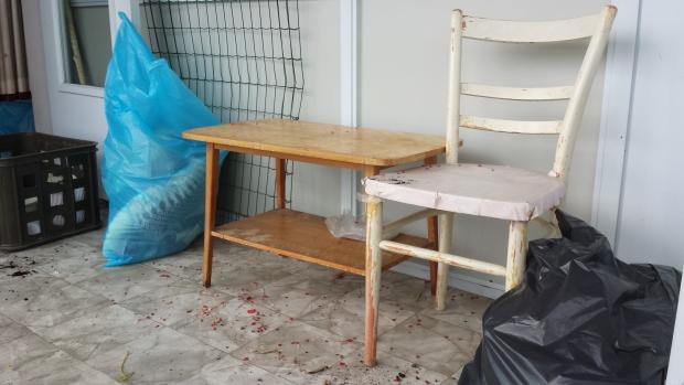 Rotterdam huisontruiming tafel en stoel sneluwwoningontruimen.nl