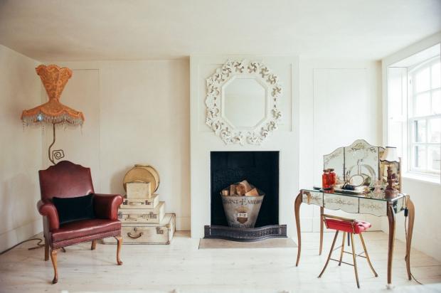 Hotel 40 Winks vintage meubels Londen East End go with the vlo