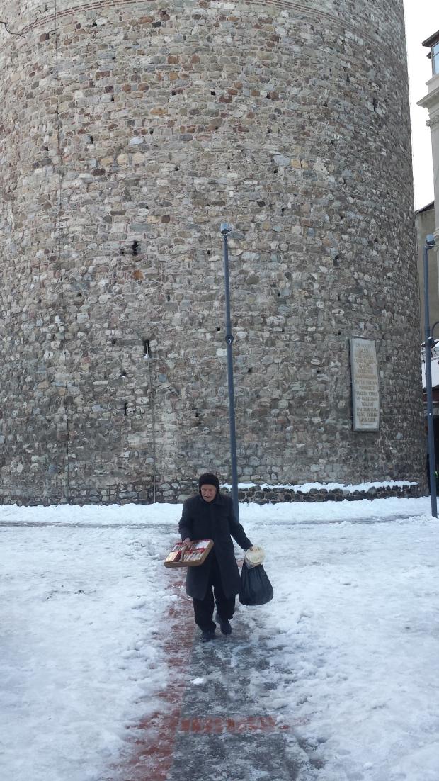 Istanbul Galatatoren sneeuw man copyright Danny Post