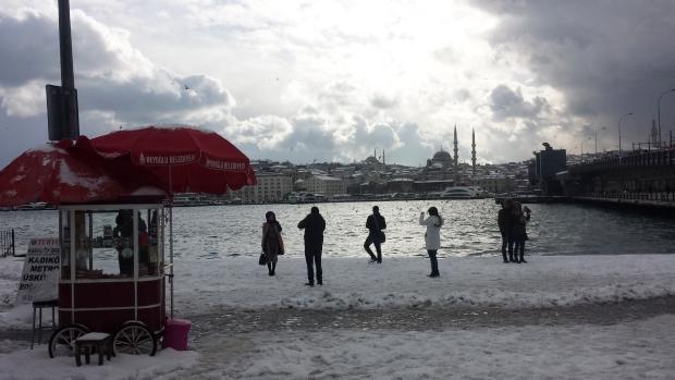 Istanbul Gouden Hoorn poseren sneeuw copyright Danny Post