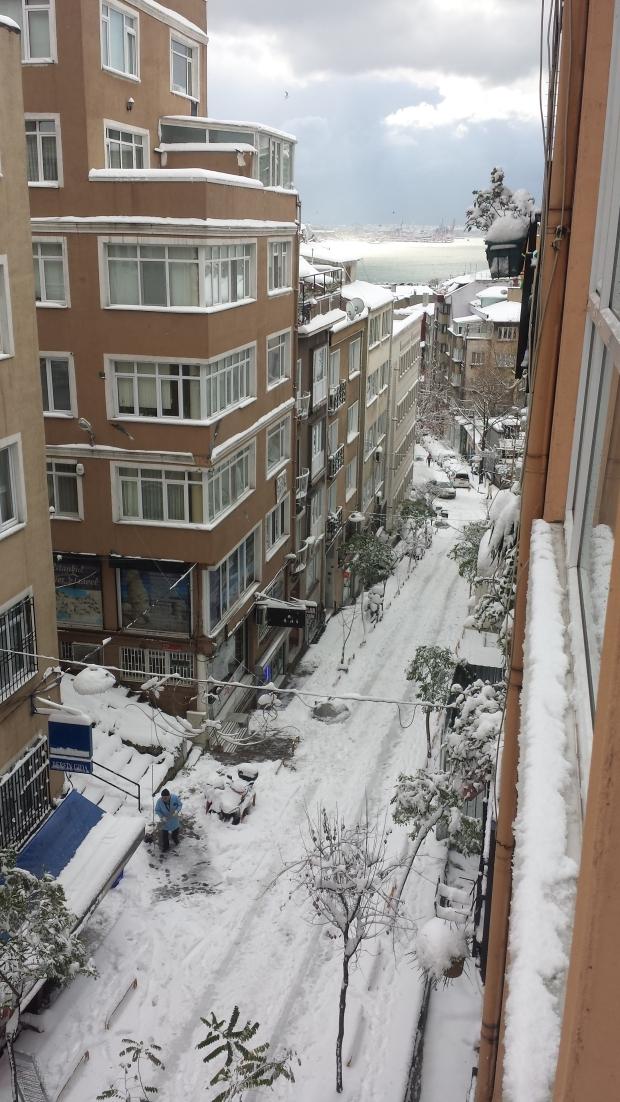 Istanbul sneeuw Cihangir copyright Danny Post