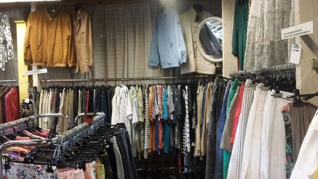 Kringloop Ede Dierenbescherming kleding