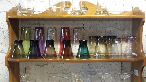 Kringloopwinkel Ede Dierenbescherming glaswerk