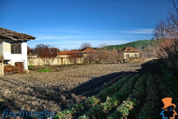 Opknappertje Bulgarije cottage moestuin te koop go with the vlo