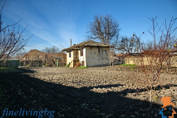 Opknappertje Bulgarije moestuin cottage wonen go with the vlo