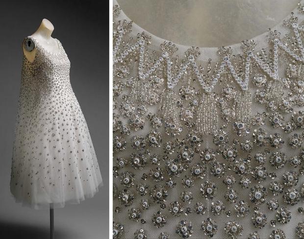 The Met Dior Laurent jurken go with the vlo mooi