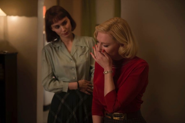 Carol Cate Blanchett Rooney Mara huilen go with the vlo