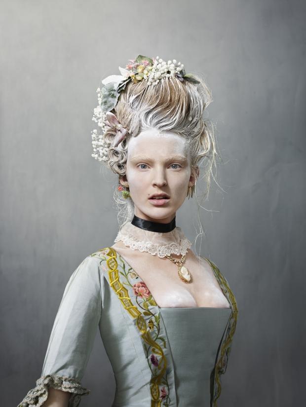 Catwalk Rijksmuseum tentoonstelling jurken Erwin Olaf go with the vlo