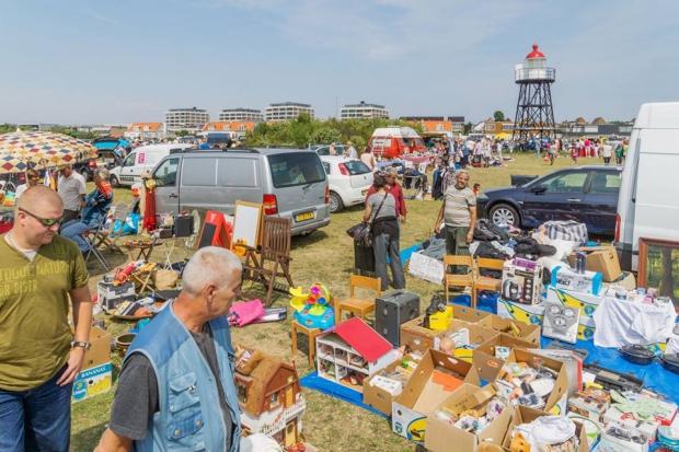 Hoek van Holland rommelmarkt kofferbakmarkt go with the vlo tweedehands
