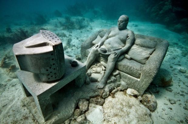 Onderwaterbeelden Jason deCaires Taylor bank zappen go with the vlo