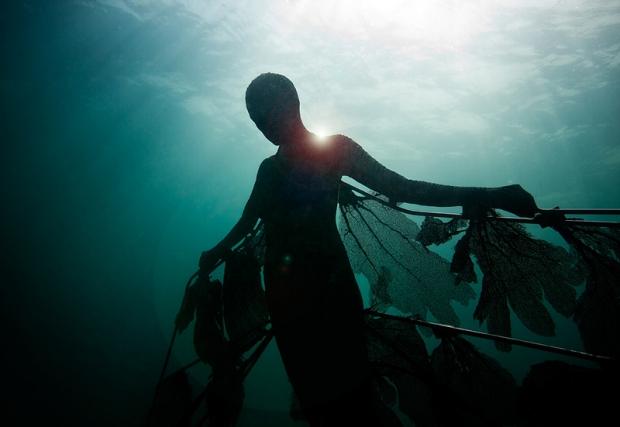 Onderwaterbeelden Jason deCaires Taylor magie go with the vlo