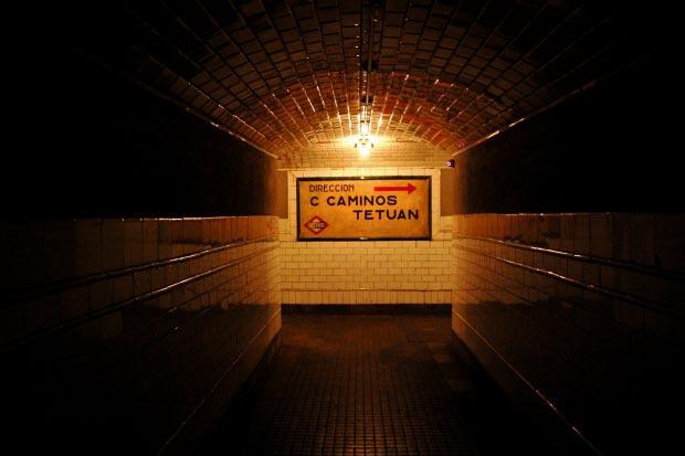 Madrid metrostation go with the vlo 11