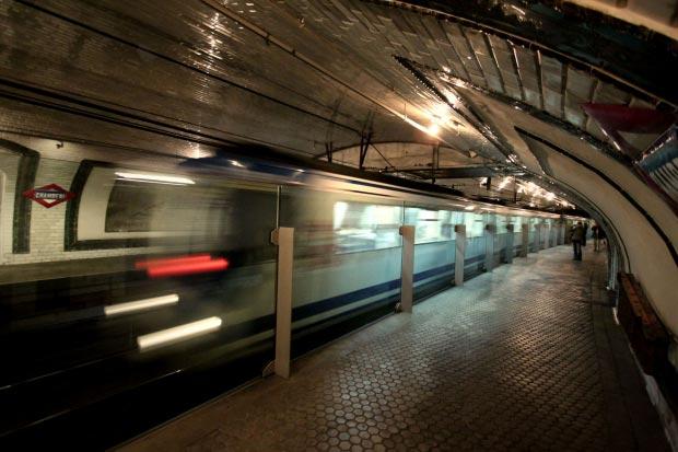 Madrid metrostation go with the vlo 9