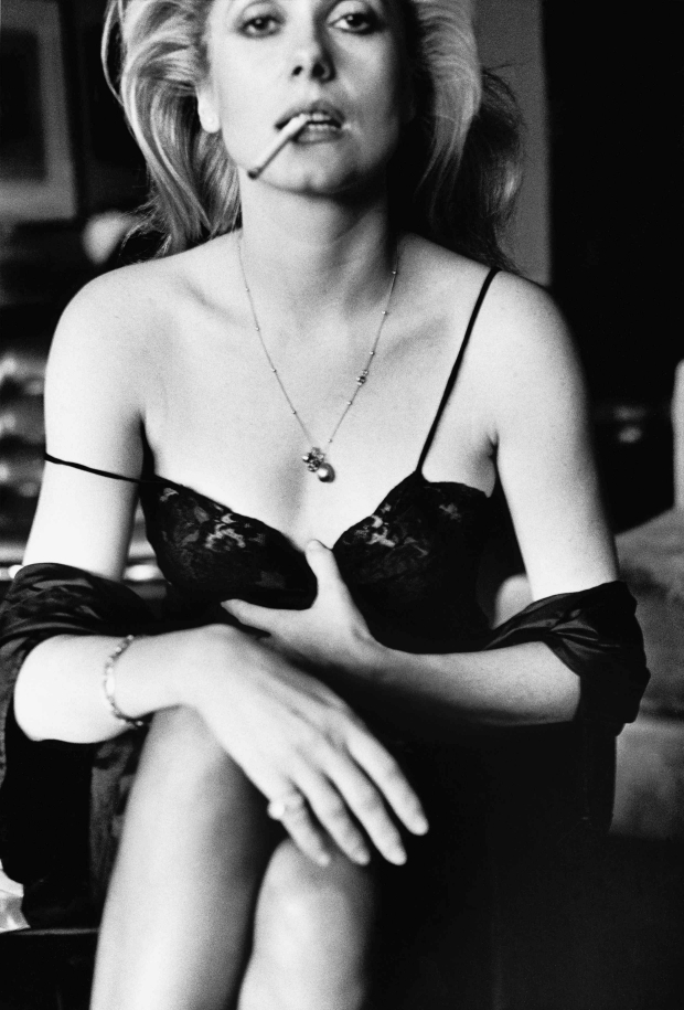 Catherine Deneuve 1976 Helmut Newton go with the vlo