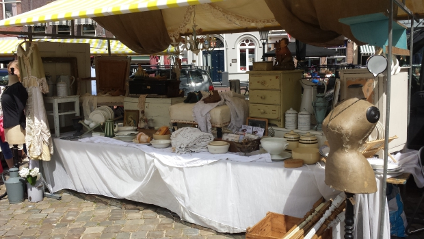 Gouda antiekmarkt brocante