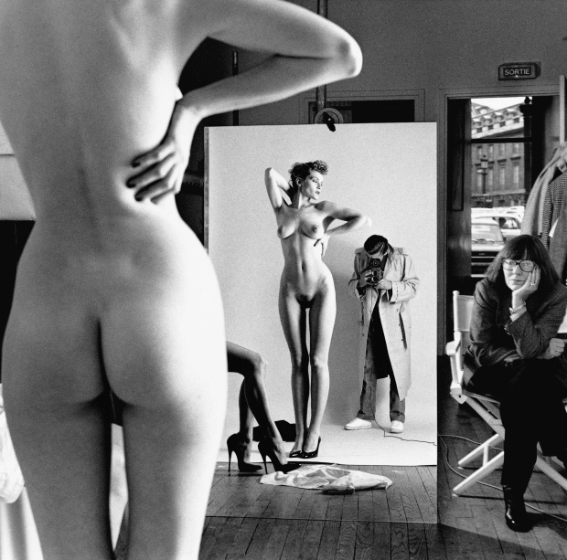 Helmut Newton 1981 go with the vlo