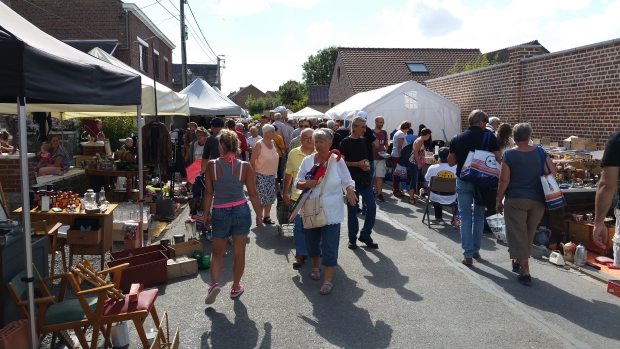 Temploux brocante markt go with the vlo