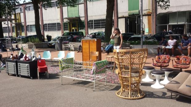 kaapse-markt-go-with-the-vlo-stoelen