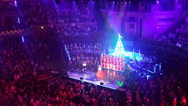 kylie-kerst-royal-albert-hall-go-with-the-vlo
