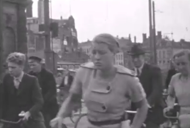 rotterdam-fietser-jaren-dertig-go-with-the-vlo