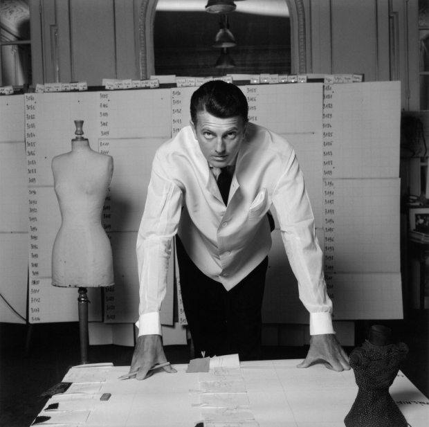 hubert-de-givenchy-audrey-hepburn-den-haag-go-with-the-vlo