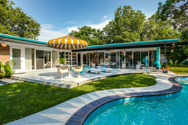 parasol-bungalow-fifties-go-with-the-vlo