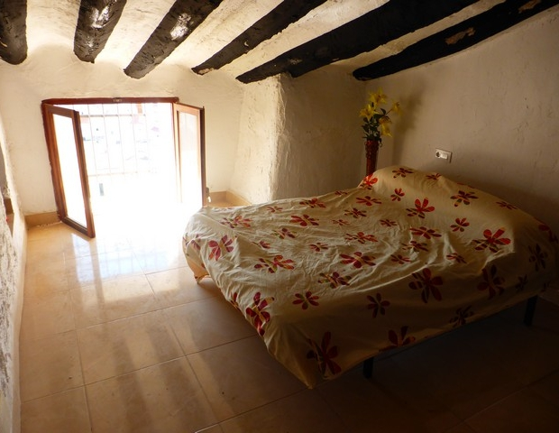 spanje-huis-slaapkamer-go-with-the-vlo