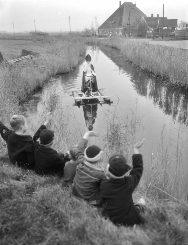 sint-aankomst-waterfiets-go-with-the-vlo