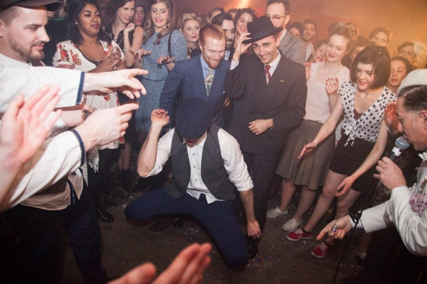 the-blitz-party-londen-dansen-go-with-the-vlo