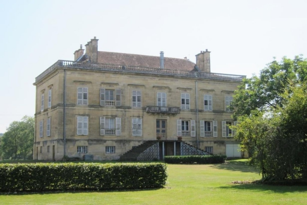 chateau-jussey-achterkant-go-with-the-vlo