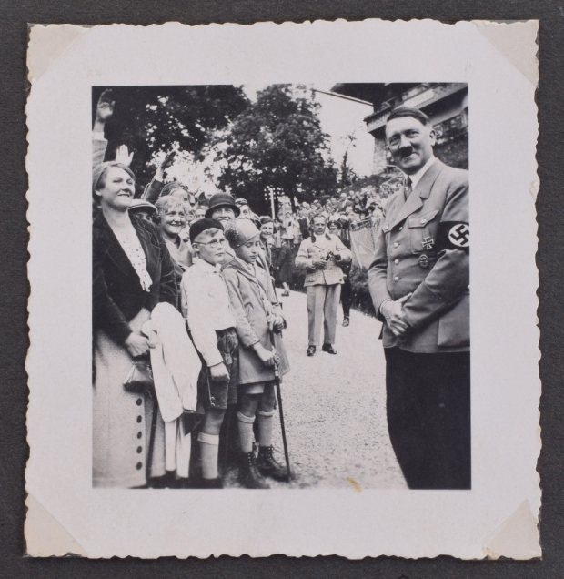 adolf-hitler-fotoalbum-kinderen-go-with-the-vlo