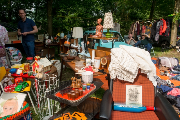 le-bric-a-brac-vlooienmarkt-vintage-go-with-the-vlo