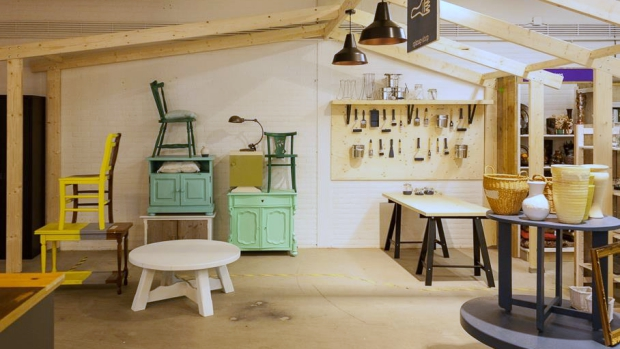 het-goed-best-geverfde-meubels-kringloop-go-with-the-vlo