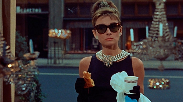 audrey-hepburn-breakfast-at-tiffanys-christies-go-with-the-vlo
